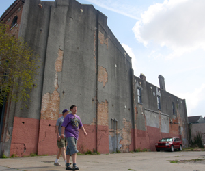 The vacant lot at 1476 Magazine, photographed in March 2011. (Sabree Hill, UptownMessenger.com)