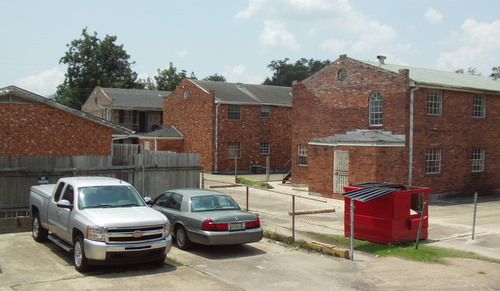 The apartments at State and Tchoupitoulas, photographed in August 2011. (Robert Morris, UptownMessenger.com)