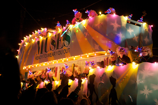 "The Krewe of Muses ""Ready to Wear You Out"" title float. (Sabree Hill, UptownMessenger.com)"