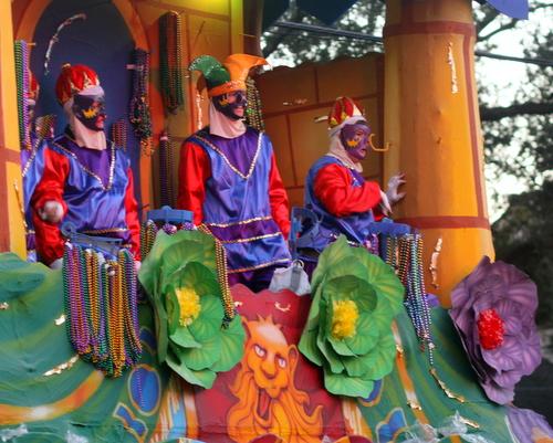 Riders on the Babylon Henry VIII float. (Robert Morris, UptownMessenger.com)
