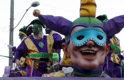 Babylon's Jesters float. (Robert Morris, UptownMessenger.com)