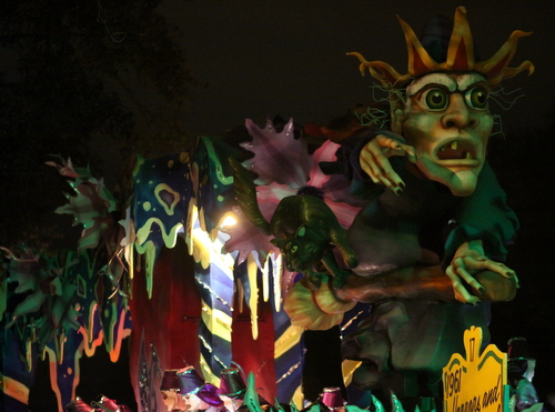 "The Hermes ""1961 Horrors and Supernaturals"" float. (Robert Morris, UptownMessenger.com)"