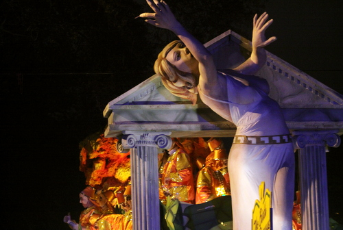 "The Hermes ""Birth of Dionsysus"" float. (Robert Morris, UptownMessenger.com)"