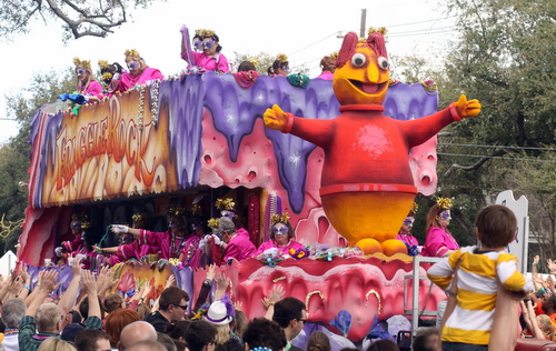"The Iris ""Fraggle Rock"" float. (Robert Morris, UptownMessenger.com)"