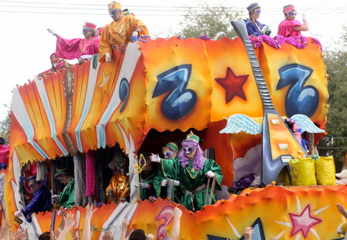 "The Iris ""Rock of Ages"" float. (Robert Morris, UptownMessenger.com)"