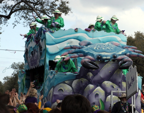 "The Iris ""Stone Crab"" float. (Robert Morris, UptownMessenger.com)"