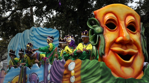 "The Okeanos ""Mardi Gras"" float. (Robert Morris, UptownMessenger.com)"