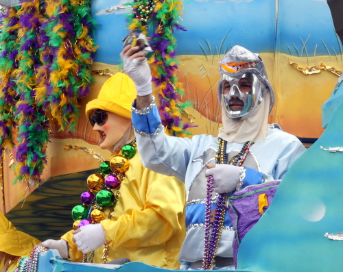 "Riders on the Thoth ""Jaws"" float. (Robert Morris, UptownMessenger.com)"