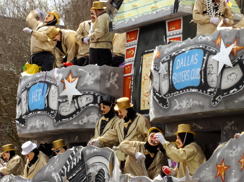 Thoth rolled a float about the 2014 Academy Award nominees. (Robert Morris, UptownMessenger.com)