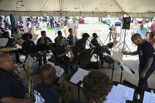 The New Orleans Jazz Orchestra. (Zach Brien, UptownMessenger.com)