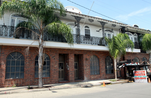 Frank's Steakhouse on Freret Street before the facade was demolished on Wednesday. (Robert Morris, UptownMessenger.com)