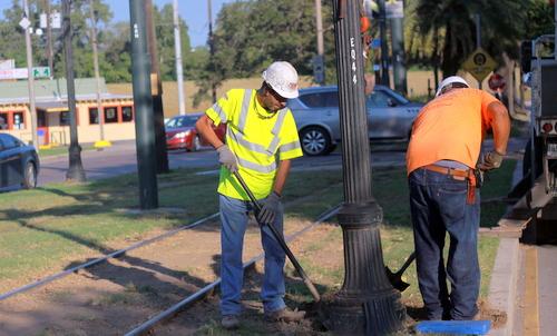St  Charles Avenue streetlight-replacement work begins – Uptown