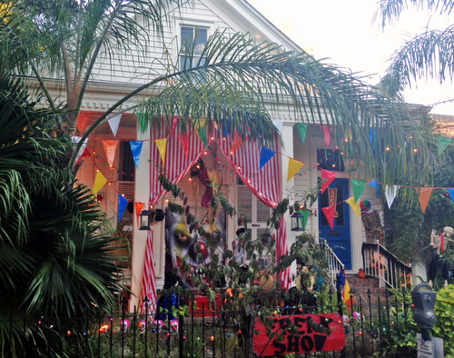Miss Cindy's awesome Halloween house on South Liberty Street. (photo by Jean-Paul Villere for UptownMessenger.com)
