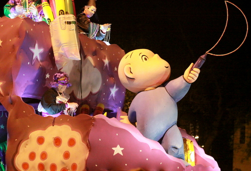 """The """"Harold and the Purple Crayon"""" float in the Krewe of Pygmalion. (Robert Morris, UptownMessenger.com)"""