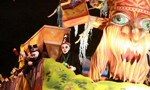 """The Druids """"Druids or Nyx"""" float. (Robert Morris, UptownMessenger.com)"""