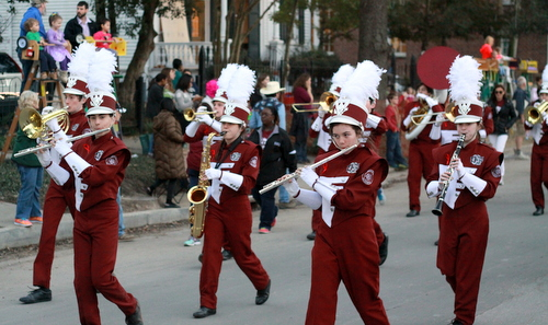 The De La Salle school marching band performs in the Knights of Babylon parade. (Robert Morris, UptownMessenger.com)