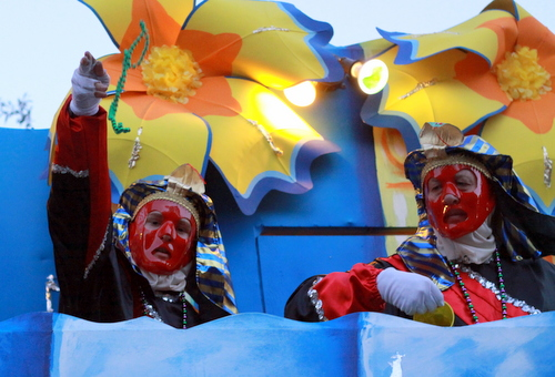 The Temple of Marduk float in the Knights of Babylon parade. (Robert Morris, UptownMessenger.com)