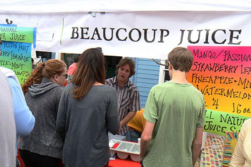 Beaucoup Juice sold snowballs outside their shop. (Zach Brien, UptownMessenger.com)