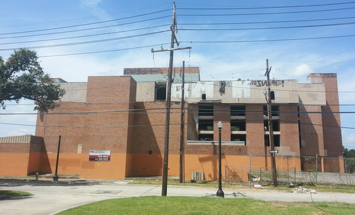 The vacant former Sara Mayo hospital, seen from Josephine Street. (Robert Morris, UptownMessenger.com)