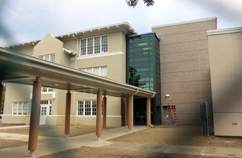 The modern new addition to the rear of Audubon Charter School. (Robert Morris, UptownMessenger.com)