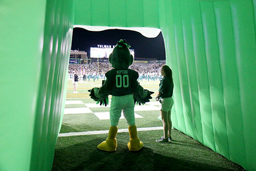 Tulane mascot Rip Tide prepares to lead players out of the tunnel and on to the field. (Zach Brien, UptownMessenger.com)