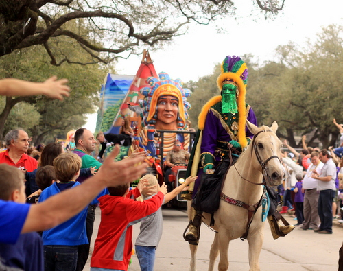 The Krewe of Choctaw rolls on Napoleon Avenue. (Robert Morris, UptownMessenger.com)