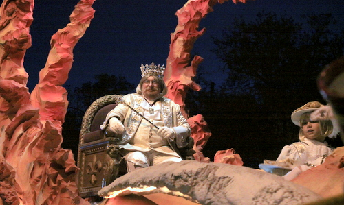 The Krewe of Hermes rolls on Napoleon Avenue. (Robert Morris, UptownMessenger.com)