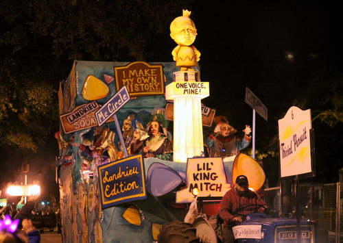"The ""Trivial Pursuit"" float, satirizing the removal of the Confederate monuments, in Le Krewe d'Etat rolls on Napoleon Avenue. (Robert Morris, UptownMessenger.com)"