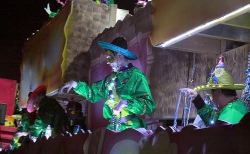 Krewe of Morpheus rolls on Magazine Street. (Robert Morris, UptownMessenger.com)