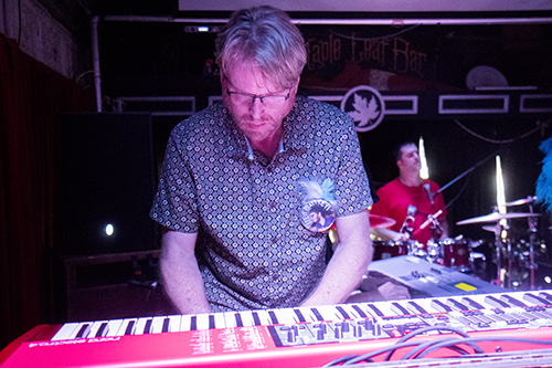 Tom Worell plays keys with Cha Wa at the Maple Leaf Bar during a tribute show to keyboardist Steve Malinowski who died on Friday, June 17. (Zach Brien, UptownMessenger.com)