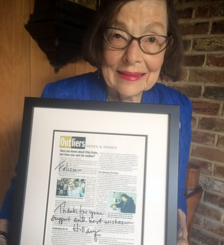 Felicia Kahn displays a framed note from Hillary Clinton. (photo courtesy of Danae Columbus)