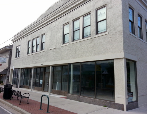 The building at 8201 Oak Street will house Simone's Market, opening in fall 2016. (Robert Morris, UptownMessenger.com)