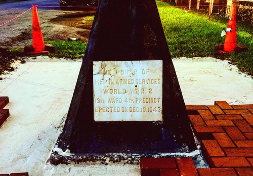 A photo of the flagpole before it was restored. (via New Orleans Veterans of Foreign Wars)