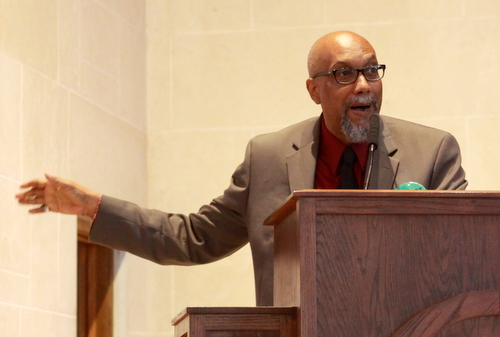 Green Party vice presidential nominee Ajamu Baraka speaks Thursday afternoon at First Unitarian Universalist Church in New Orleans. (Robert Morris, UptownMessenger.com)